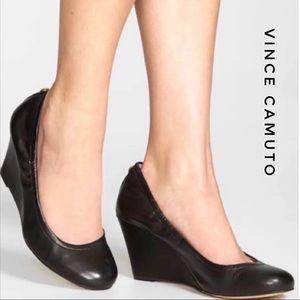 Vince Camuto Elmay Black Leather Wedges 9M EUC